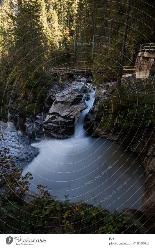 Pochtenfall Sommer Wasser Landschaft ruhig dunkel Wald Berge u. Gebirge Wege & Pfade Herbst Stein Tourismus Wellen wandern Ausflug Schönes Wetter Brücke
