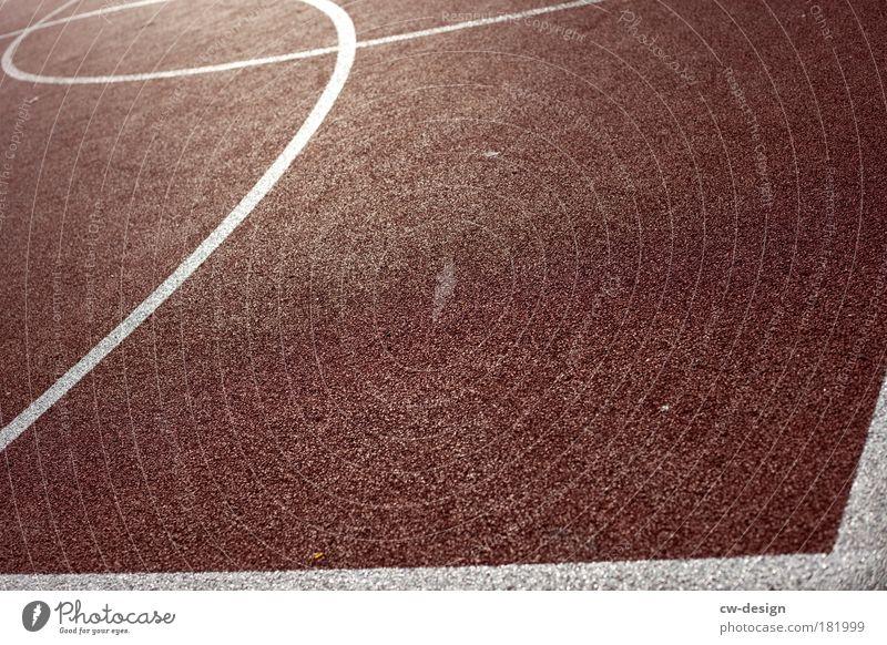 Der Ball ist rund Sport Linie Spielfeld Grenze Korn Sport-Training Fußballplatz Ballsport Leichtathletik Sportplatz Sportstätten Tartan Grundlinie Basketballplatz Spielfeldbegrenzung