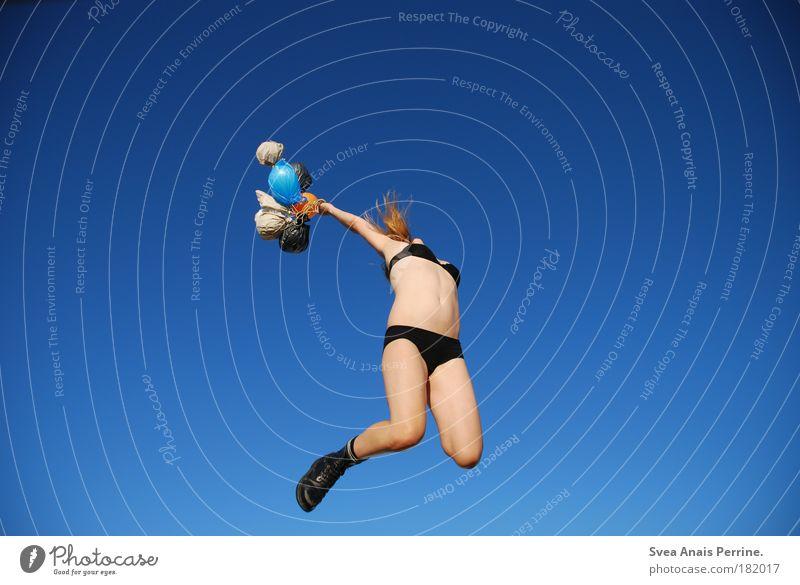 die gedanken sind frei. Mensch Frau Jugendliche blau schön Freude feminin Erotik Spielen springen Beine Gesundheit Wetter Zufriedenheit blond Fröhlichkeit