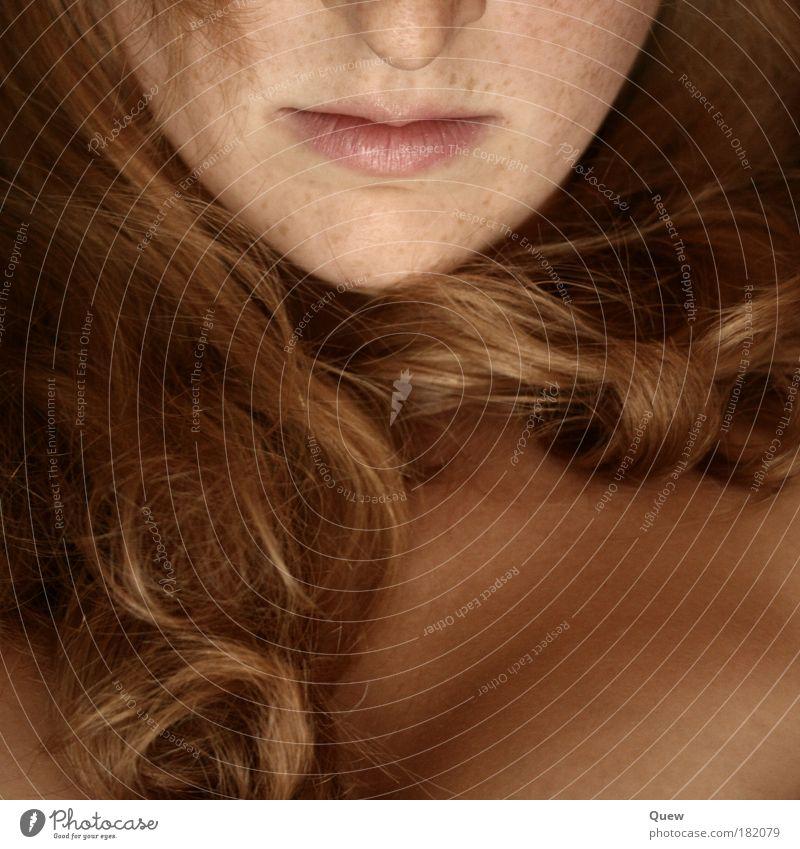 (Bild)ausschnitt Frau Jugendliche Junge Frau 18-30 Jahre Gesicht Erwachsene feminin Haare & Frisuren blond Haut ästhetisch Mund Lippen Locken Brust langhaarig