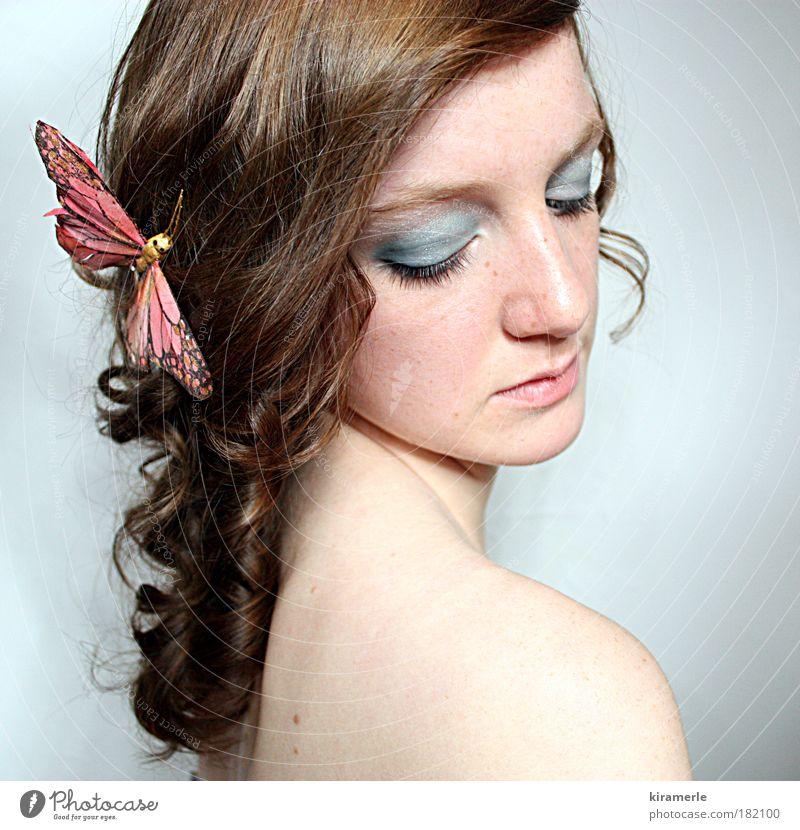 its raining inside Mensch Jugendliche blau schön feminin Traurigkeit Denken träumen braun Junge Frau rosa elegant ästhetisch Hoffnung einzigartig Sehnsucht