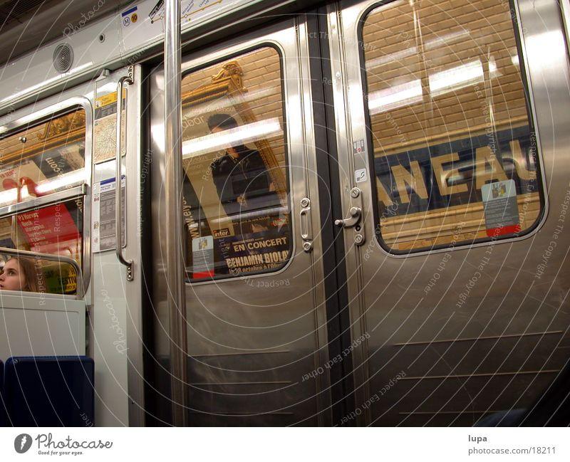 Paris - Metrostation Stadt Ferien & Urlaub & Reisen Einsamkeit Metall Tür Verkehr Eisenbahn Geschwindigkeit Güterverkehr & Logistik U-Bahn Plakat
