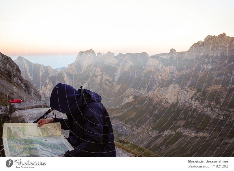 Pläne schmieden Ferien & Urlaub & Reisen Ausflug Abenteuer Ferne Berge u. Gebirge wandern Klettern Bergsteigen maskulin androgyn Mann Erwachsene Leben 1 Mensch