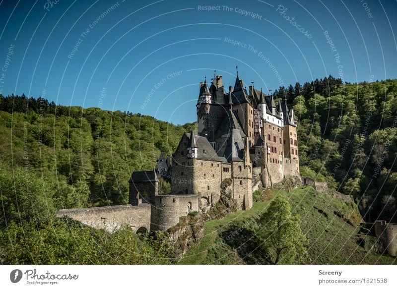 Sommerresidenz Ferien & Urlaub & Reisen Tourismus Ausflug Abenteuer Landschaft Schönes Wetter Baum Wald Hügel Burg oder Schloss Gebäude Architektur alt groß
