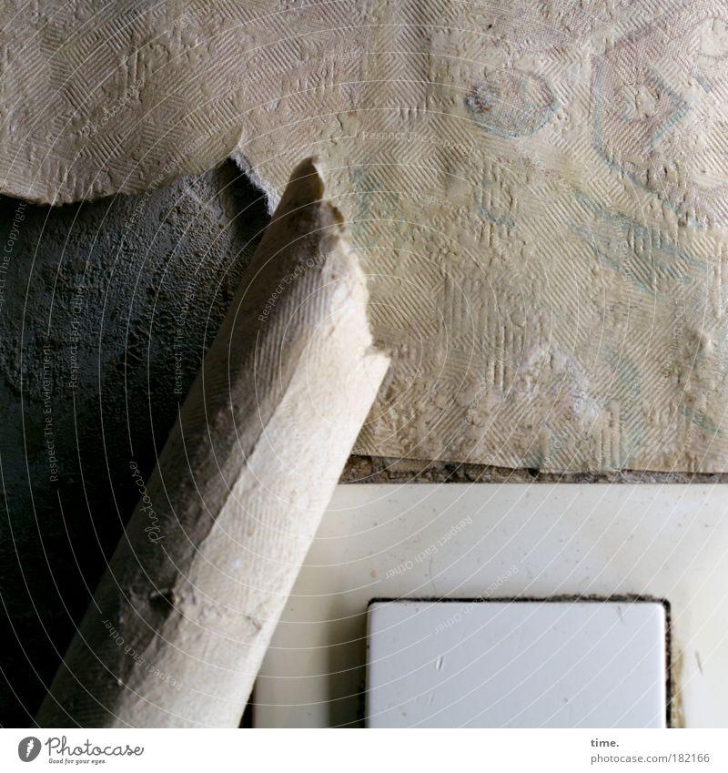 As Time Can't Go By Licht Schatten Wohnung Renovieren Tapete Handwerk Stoff Papier Nostalgie Lichtschalter abblättern feucht Riss gerissen Wölbung Putz Wand