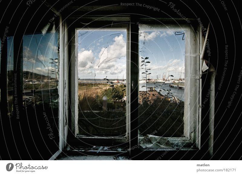 Meerblick alt ruhig Einsamkeit dunkel grau Traurigkeit Glas dreckig Innenarchitektur Medien Perspektive Fernsehen Hafen Schönes Wetter Tapete Meer