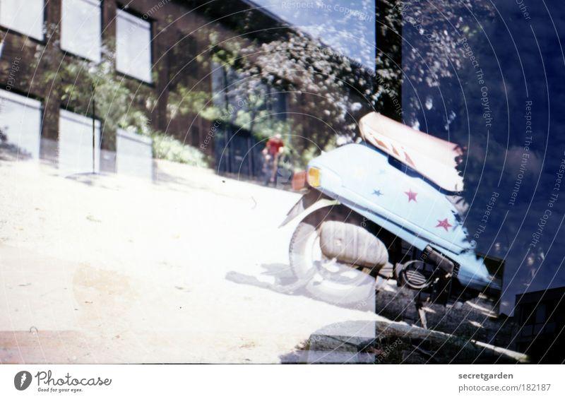 [WTCD] analoges Maschinenhaus. blau Sommer Fenster Wege & Pfade Gebäude Park Freizeit & Hobby Fassade Verkehr Stern (Symbol) Dekoration & Verzierung Coolness Sträucher fahren retro Bauwerk