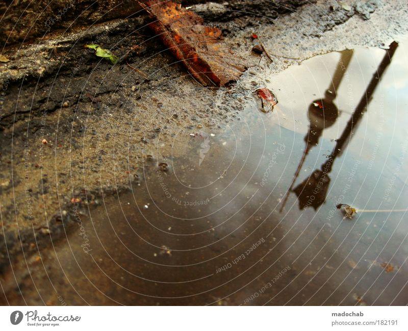 Herbstdepression - Köpfe hängen lassen Wasser Wolken Einsamkeit Herbst kalt Umwelt Berlin Traurigkeit Regen Angst Klima kaputt außergewöhnlich Trauer Sehnsucht Flüssigkeit