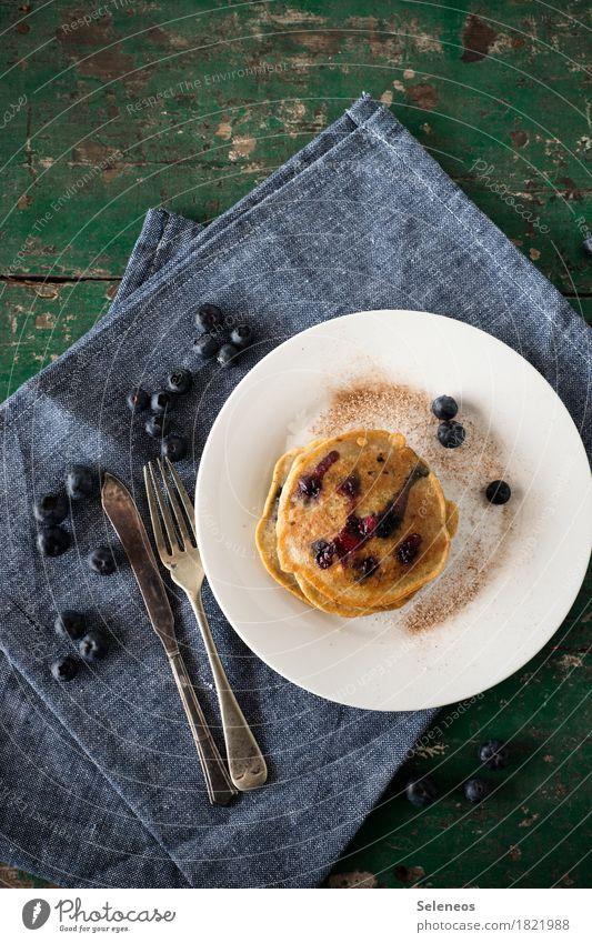 vegan Pancakes Essen Lebensmittel Frucht Ernährung genießen süß lecker Süßwaren Frühstück Dessert Teller Backwaren Messer Vegetarische Ernährung Teigwaren