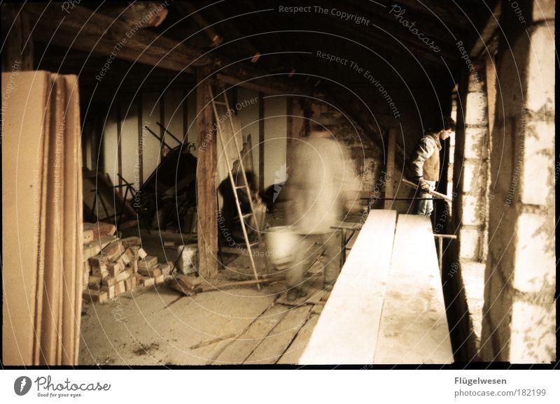 Aufm Bau ist aber auch immer was los Arbeit & Erwerbstätigkeit Holz Stein Mauer Kraft dreckig Wohnung Erfolg Beton Baustelle Beruf Häusliches Leben Innenarchitektur Mut historisch Kreativität