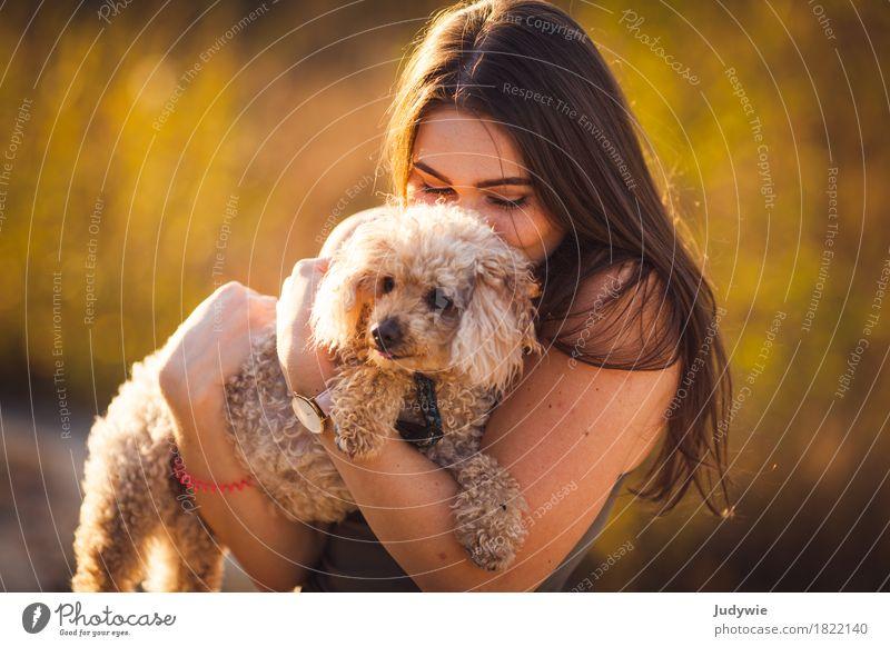 Plüschiges Familienmitglied Mensch Frau Natur Hund Jugendliche Sommer Junge Frau 18-30 Jahre Erwachsene Umwelt Herbst feminin Familie & Verwandtschaft Garten