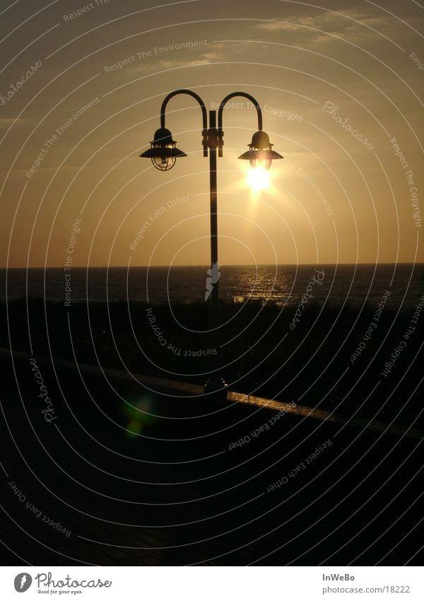 Sonnenlampe II dunkel Freizeit & Hobby Straßenbeleuchtung Abenddämmerung