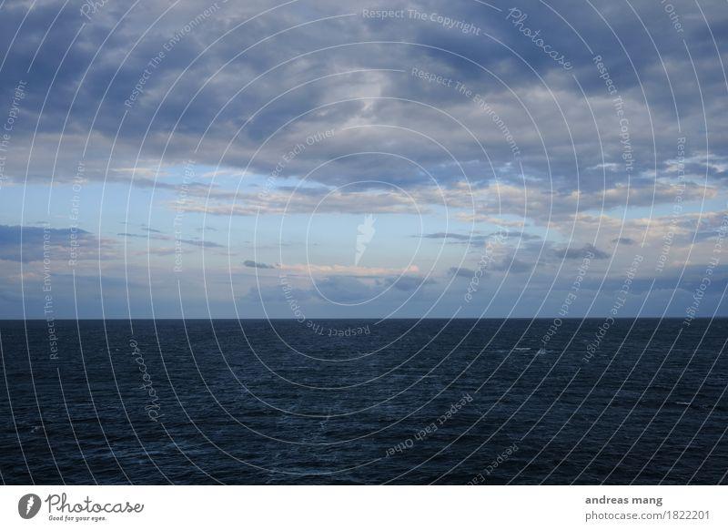 #323 / Meer Ferien & Urlaub & Reisen Ausflug Abenteuer Ferne Freiheit Kreuzfahrt Wolken Herbst Wetter schlechtes Wetter Wind Wellen Nordsee blau Angst