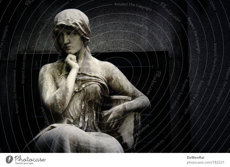 """""""Wir bedauern, Ihnen mitteilen zu müssen, dass ..."""" feminin Frau Erwachsene 1 Mensch Kunstwerk Skulptur Denken grau schwarz Treue schön Mitgefühl Traurigkeit"""