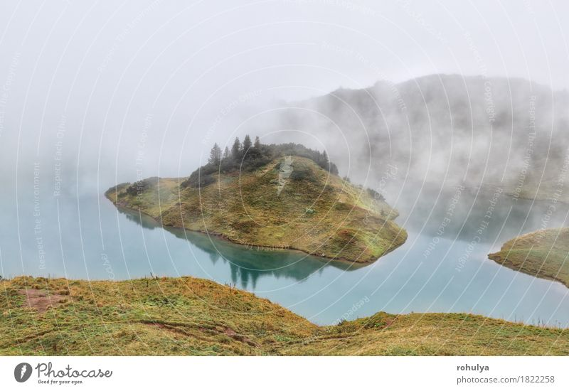 Alpensee im dichten Nebel, Bayern, Deutschland Natur Ferien & Urlaub & Reisen Landschaft Berge u. Gebirge Wiese Herbst See Wetter Aussicht Abenteuer