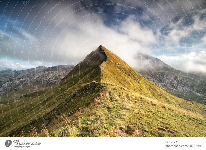 Bergspitze in den tiefen Wolken, bayerische Alpen, Deutschland Berge u. Gebirge Natur Landschaft Himmel Wetter Wege & Pfade wild blau weiß Gipfel Top alpin