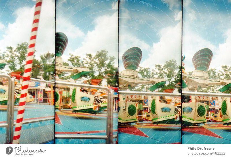 Jahrmarkt blau Lomografie grün rot Sonne Sommer Spielen Freizeit & Hobby fliegen Ausflug Luftverkehr fahren Kunststoff nah Schönes Wetter
