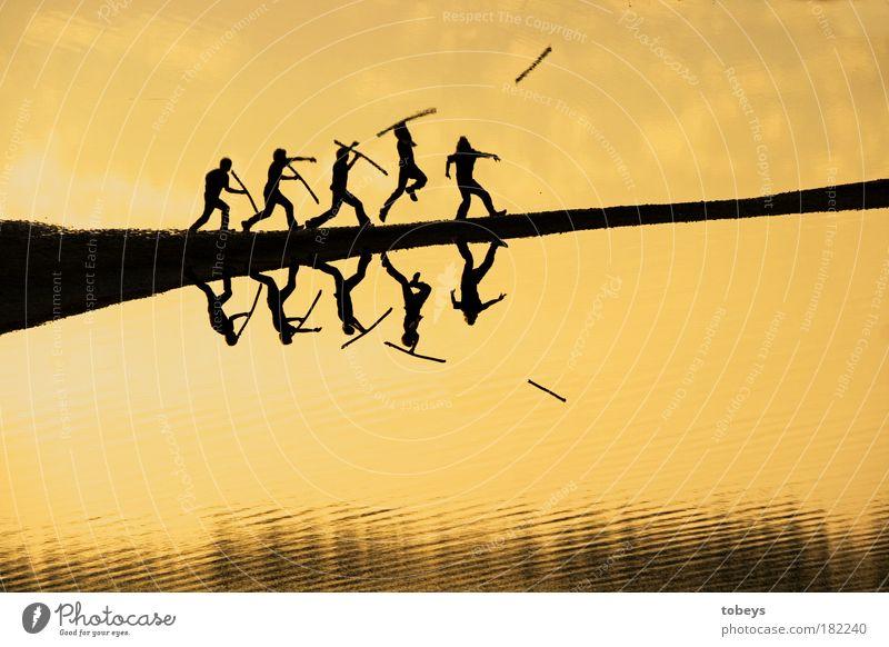 Javelin Mensch Bewegung Küste springen maskulin Wellen Fluss See Seeufer Aktion Leichtathletik Zusammenhalt Vergangenheit Jagd Flussufer Außenaufnahme