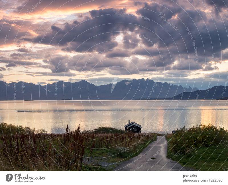 gegen das vergessen Natur Landschaft Urelemente Wasser Himmel Wolken Herbst Berge u. Gebirge Strand Bucht Fjord Lebensfreude Norwegen Hütte Fischerhütte