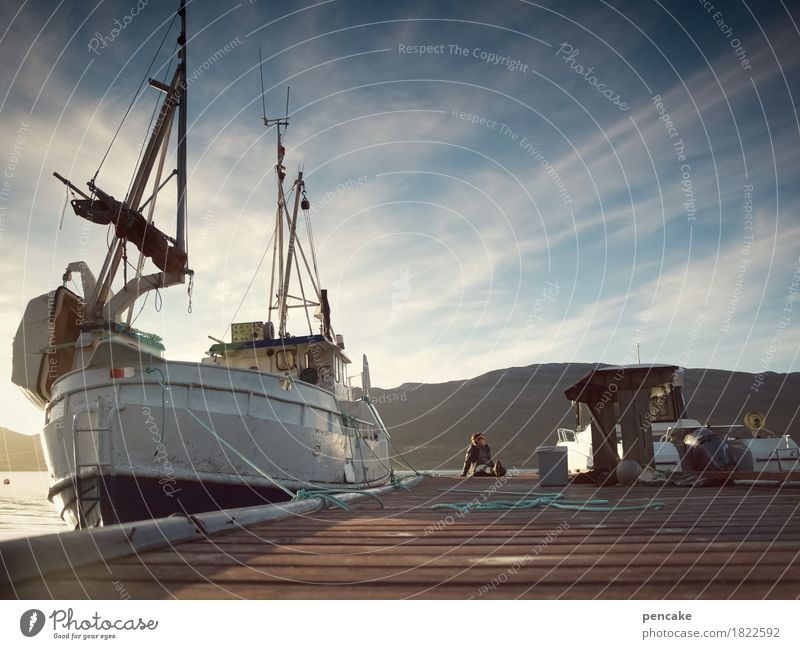 sehn | sucht Abenteuer Ferne Freiheit Natur Landschaft Urelemente Wasser Himmel Schönes Wetter Hügel Seeufer Fjord Schifffahrt Fischerboot Segelboot Gefühle