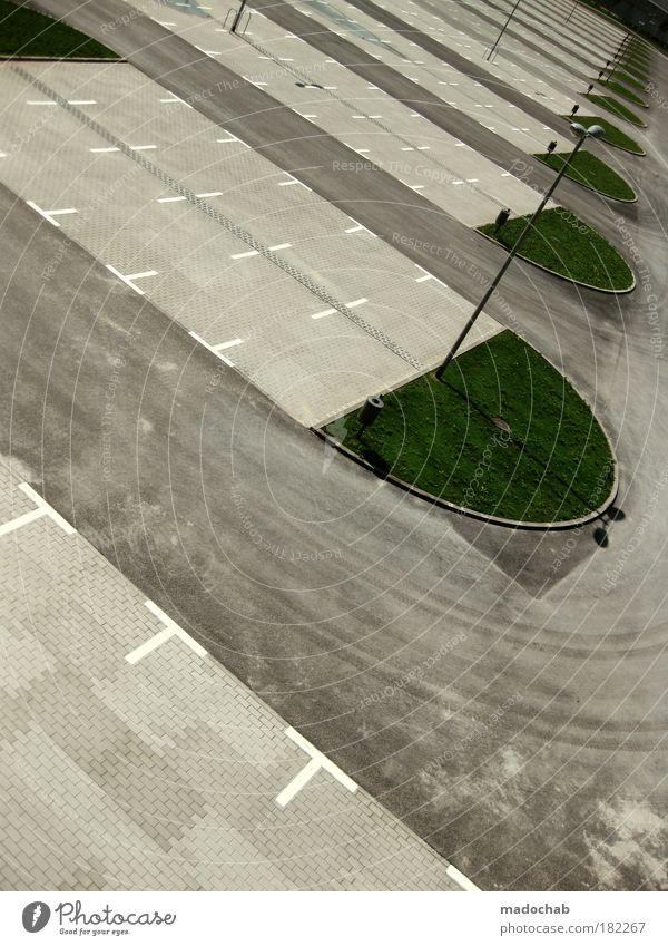 Where's my car, dude? Stadt Straße grau Zufriedenheit Straßenverkehr Schilder & Markierungen frei Verkehr leer Fröhlichkeit neu Wachstum trist Tourismus Pause Sauberkeit