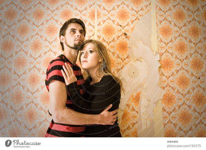 plan9fromouterspace Mensch Liebe feminin Paar Zusammensein Angst maskulin retro Kommunizieren Romantik Oberkörper Textfreiraum Filmindustrie Schutz Kitsch verfallen