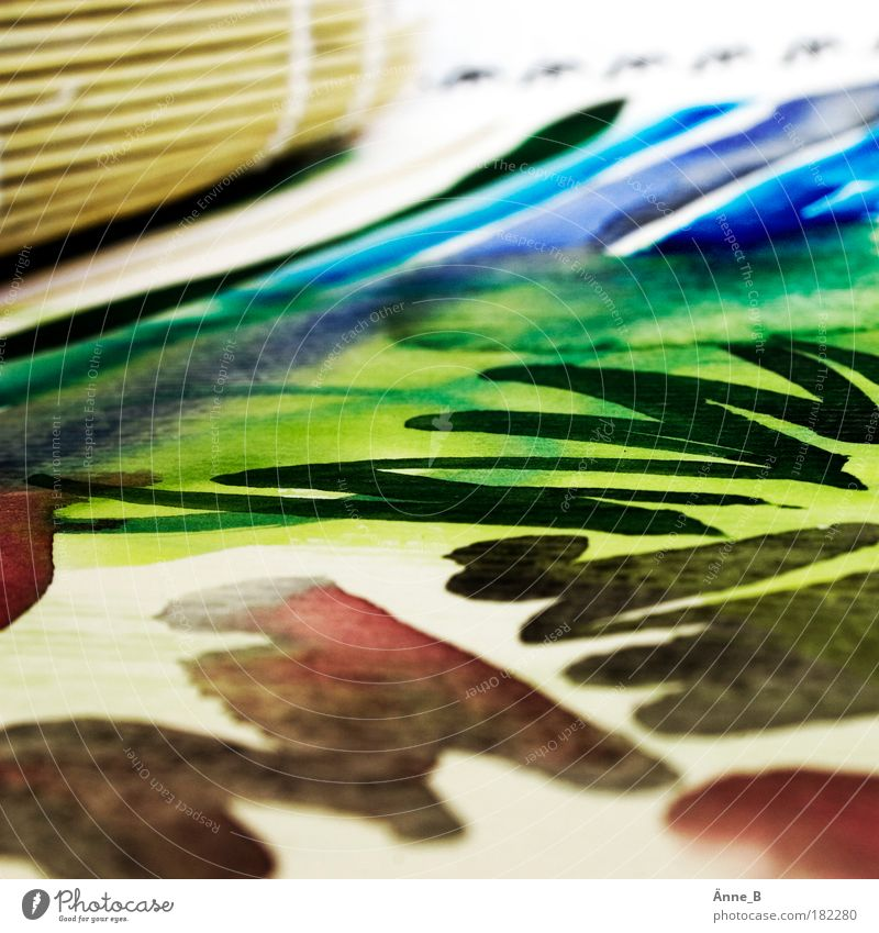 Farbe trifft Papier Wasser grün blau rot Linie Arbeit & Erwerbstätigkeit braun Freizeit & Hobby nass Papier Streifen Bild Unendlichkeit malen zeichnen Gemälde
