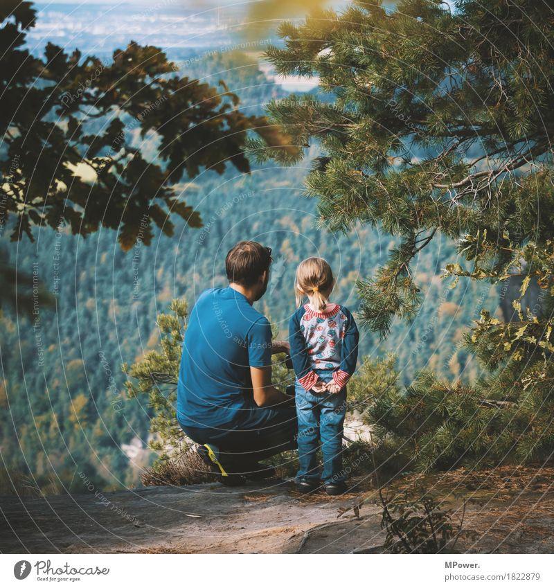 weitblick Mensch Kind Freude Wald 18-30 Jahre Leben Herbst feminin Familie & Verwandtschaft Glück Freizeit & Hobby wandern Kindheit Aussicht lernen Fußweg