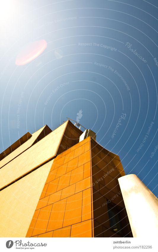 FFM Himmel Stadt Haus Arbeit & Erwerbstätigkeit Architektur Kunst Fassade Hochhaus Perspektive Kultur Geldinstitut Bankgebäude Bürogebäude Skyline