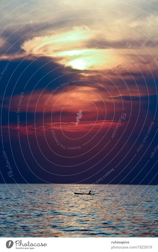 Fisherman Ferien & Urlaub & Reisen Tourismus Abenteuer Ferne Meer Mensch 1 Natur Wasser Himmel Wolken Gewitterwolken Klima Klimawandel Wetter Wind Regen Küste
