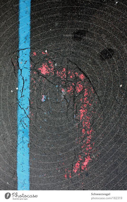 :-( - Asphaltverstimmung blau rot Straße Gefühle grau Wege & Pfade Traurigkeit Stimmung außergewöhnlich trist Trauer unten Zeichen Wut Verkehrswege trashig