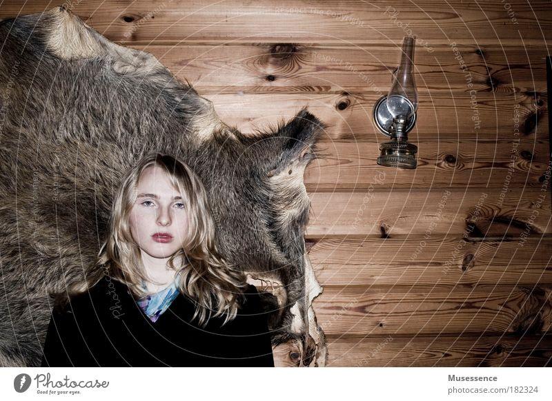 Dekadenz schwarz Stil Kunst braun blond elegant einzigartig Vergänglichkeit trashig Zerstörung Handel selbstbewußt Stolz Identität Begierde Rätsel