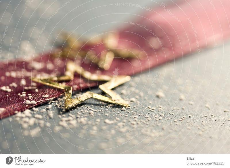 Schneeflöckchen Weihnachten & Advent glänzend Kitsch Winter Dekoration & Verzierung Weihnachtsstern Geschenkband Gold Menschenleer Strukturen & Formen