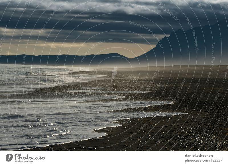 der Strand von Mordor Natur Wasser Ferne dunkel Berge u. Gebirge Sand Landschaft Luft Wellen Küste Wind Horizont bedrohlich Klima wild
