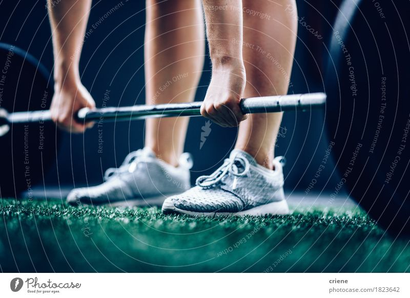 Hand Lifestyle Sport Beine Fuß Freizeit & Hobby Körper Kraft Aktion Fitness stark Konzentration Sport-Training Kaukasier Bodybuilding Fitness-Center