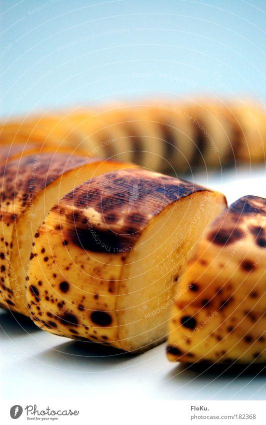 Banane in Scheiben alt gelb Gesundheit braun Frucht Lebensmittel Ernährung Gesunde Ernährung genießen lecker Bioprodukte Scheibe füttern geschnitten Hülle Banane