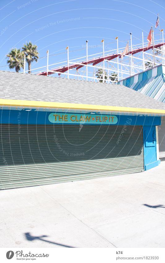 Santa Cruz Boardwalk – THE CLAW • FLIP IT Stadt blau Sommer rot Erholung Freude gelb Spielen hell Park Freizeit & Hobby frisch retro Fröhlichkeit Schönes Wetter