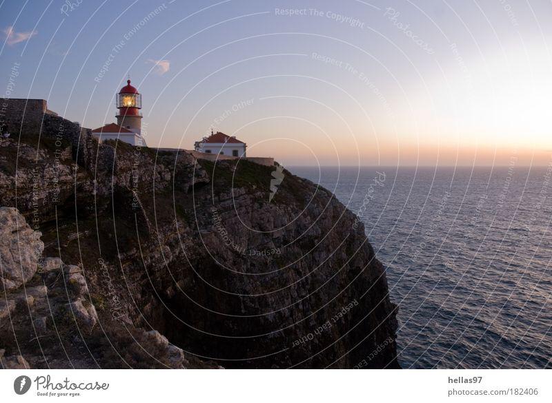 Am südwestlichen Ende Europas Farbfoto Außenaufnahme Textfreiraum rechts Abend Dämmerung Sonnenaufgang Sonnenuntergang Urelemente Luft Wasser Himmel Nachthimmel