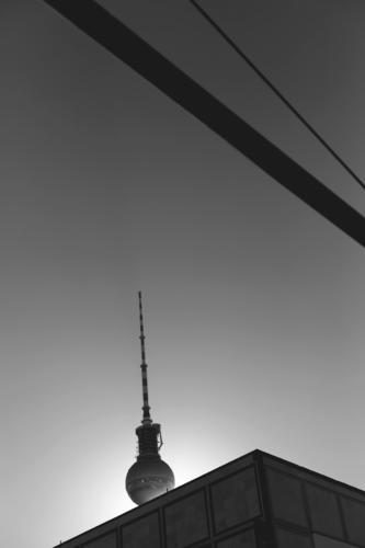 berlin Himmel Stadt Sonne Architektur Berlin Gebäude Verkehr Hochhaus hoch groß Schönes Wetter Bauwerk Sehenswürdigkeit Wahrzeichen Hauptstadt