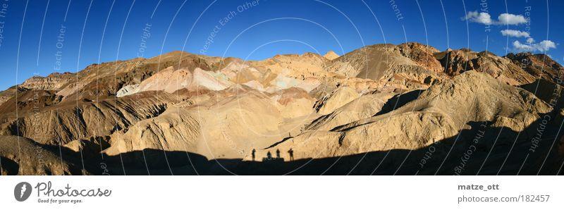 Panorama of a mountain Farbfoto Außenaufnahme Textfreiraum oben Tag Schatten Silhouette Sonnenlicht Panorama (Aussicht) Blick nach vorn Umwelt Landschaft