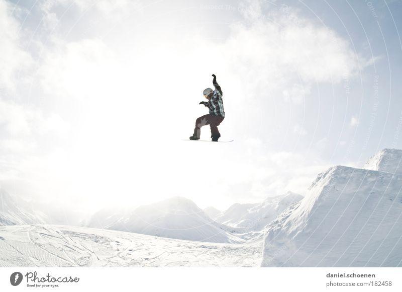 Countdown läuft !! Mensch Ferien & Urlaub & Reisen Jugendliche Junger Mann Freude Winter 18-30 Jahre Berge u. Gebirge Erwachsene Gefühle Bewegung Schnee Sport Glück springen maskulin