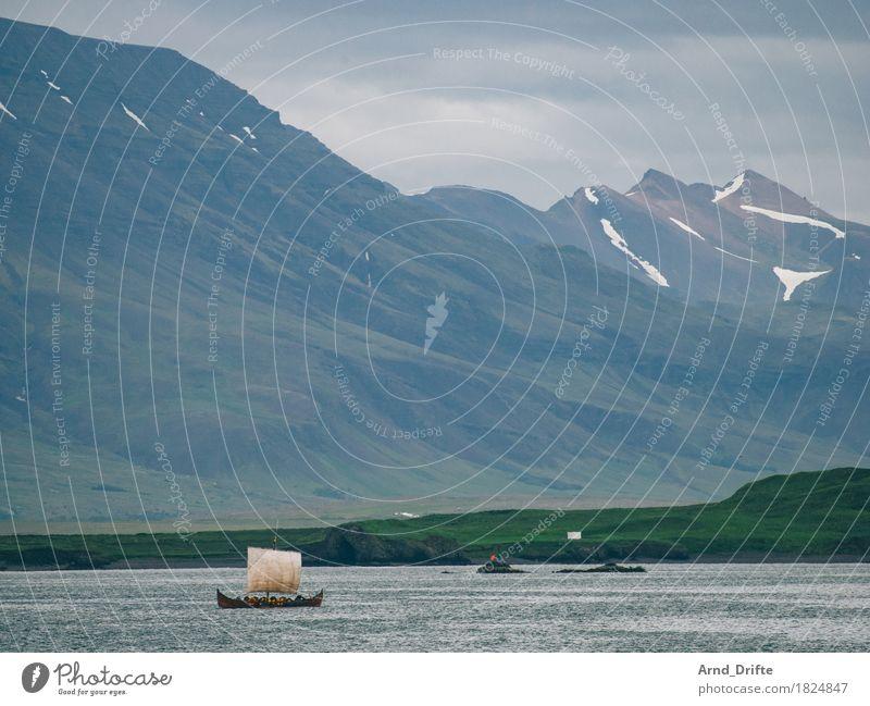 Wikinger in Island Ferien & Urlaub & Reisen Tourismus Ausflug Abenteuer Ferne Kreuzfahrt Natur Landschaft Wasser Himmel Wolken Berge u. Gebirge Gipfel