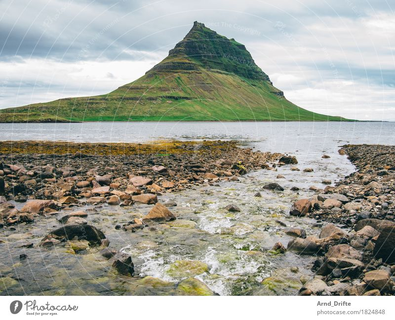 Kirkjufell - der schönste Berg der Welt Ferien & Urlaub & Reisen Tourismus Ausflug Abenteuer Ferne Natur Landschaft Urelemente Erde Wasser Himmel Wolken Wetter
