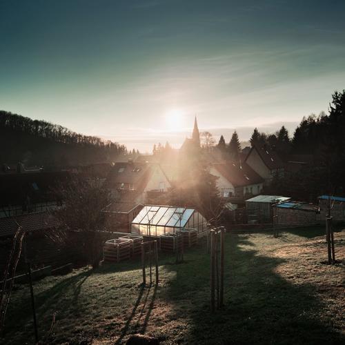 Südharzdorf Himmel Natur Pflanze Baum Landschaft Haus ruhig Wald Umwelt Gras Garten Deutschland Horizont leuchten Idylle Klima