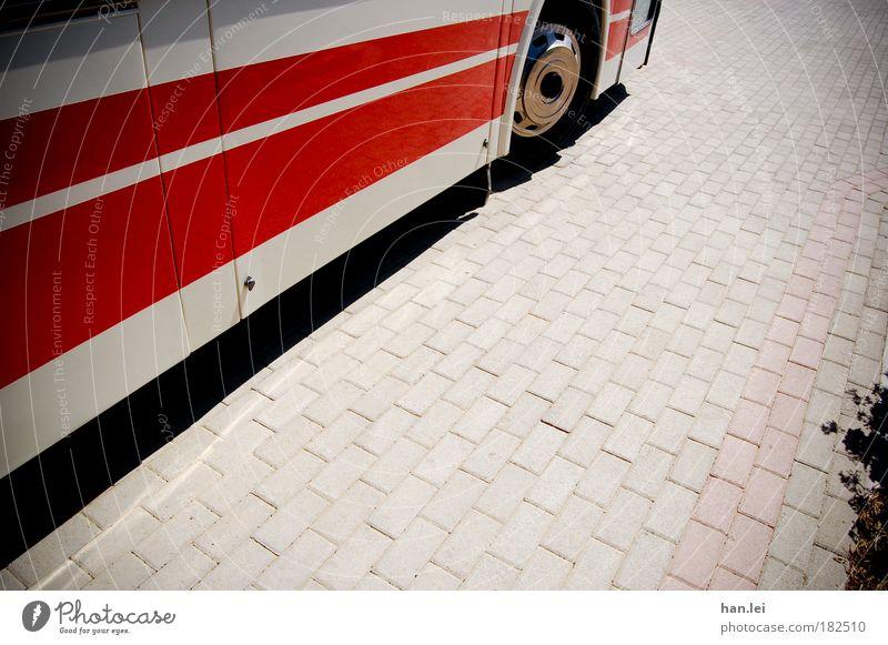 Kaffeefahrt Farbfoto mehrfarbig Außenaufnahme Muster Strukturen & Formen Menschenleer Textfreiraum rechts Tag Zentralperspektive Verkehrsmittel Personenverkehr