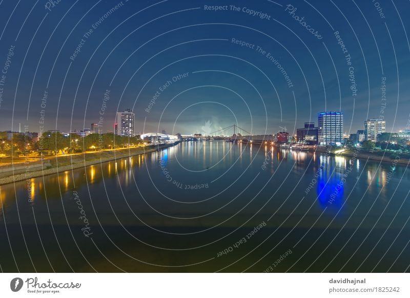 Mannheim und Ludwigshafen Tourismus Sightseeing Städtereise Landschaft Wasser Flussufer Rhein Stadt Skyline Menschenleer Sehenswürdigkeit blau gelb grün