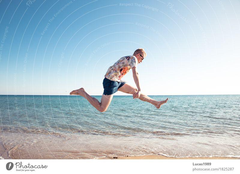 Party am Strand Mensch Ferien & Urlaub & Reisen Jugendliche Mann Sommer Sonne Junger Mann Meer Freude Ferne 18-30 Jahre Erwachsene Leben Freiheit