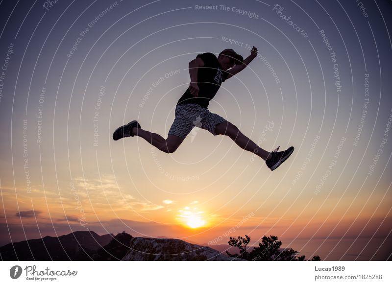Abenteuer Mensch Ferien & Urlaub & Reisen Jugendliche Mann Sommer Sonne Junger Mann Ferne 18-30 Jahre Berge u. Gebirge Erwachsene Leben Lifestyle Glück