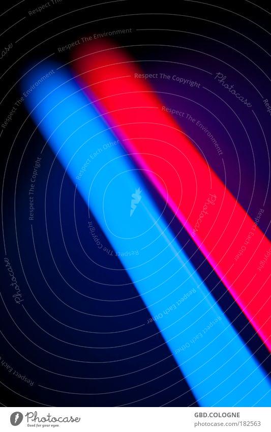 BlauRoteErleuchtung blau rot Lampe dunkel Glas Elektrizität leuchten abstrakt Leuchtreklame Leuchtstoffröhre Energie sparen Energiesparlampe Stromverbrauch