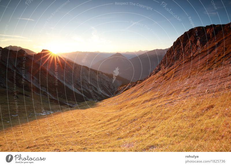 Autunm Sonnenaufgang über Bergen in den Alpen, Österreich Lifestyle Ferien & Urlaub & Reisen Abenteuer Expedition Berge u. Gebirge Natur Landschaft Himmel